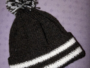 Bobble hat with merino